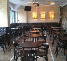 Meble do restauracji / kawiarni / baru